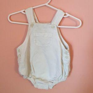 GAP overalls size :newborn